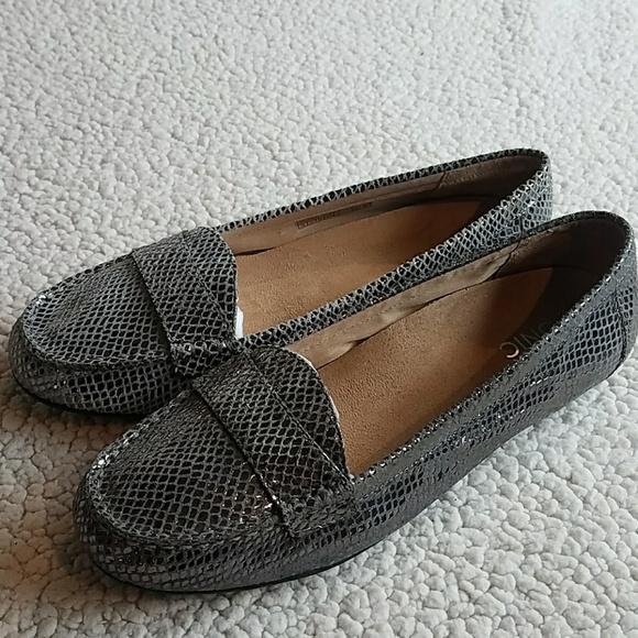 430be1109ae Vionic Shoes